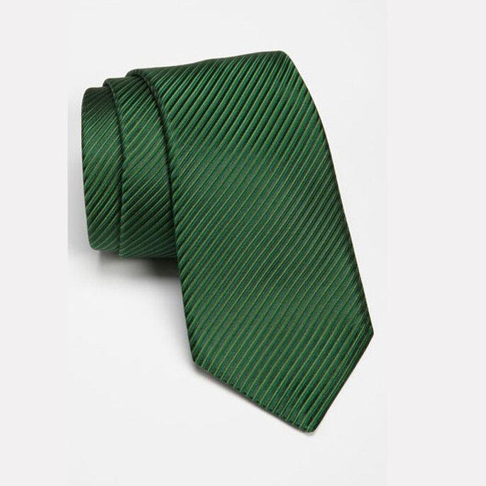 Cravate vert émeraude pour le marié. Photo: ww.shopnordstrom.com