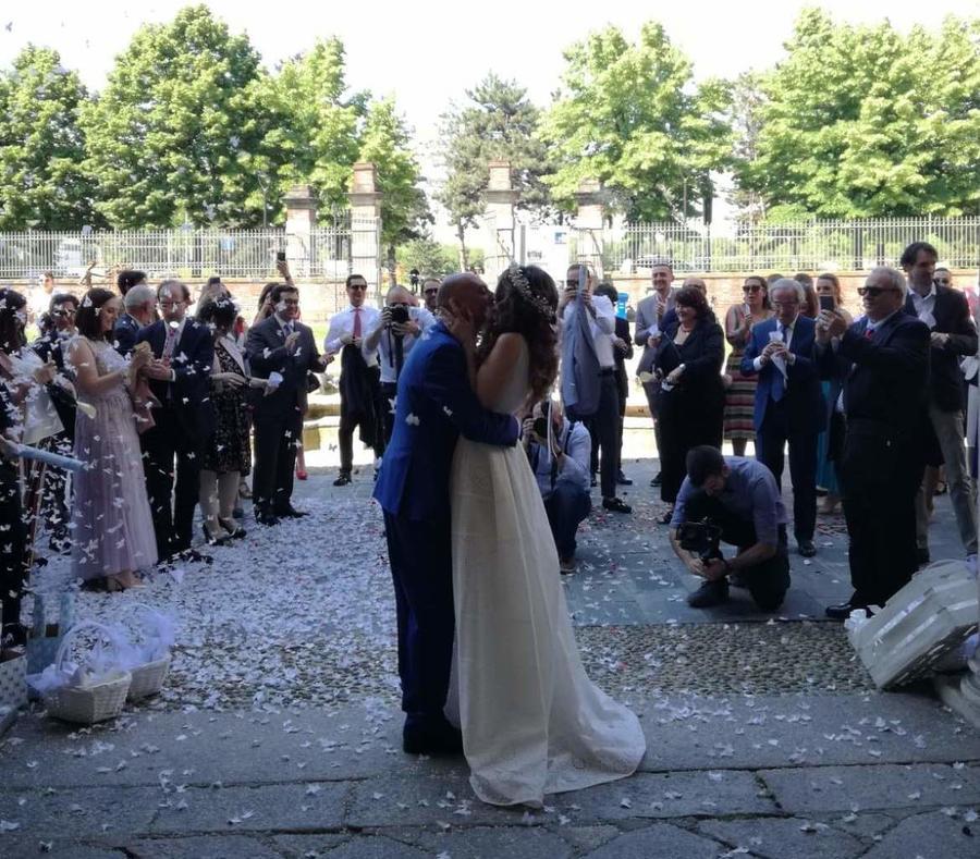 Matrimonio Gipsy Soldi : Gipsy trumpeter eseguire su un matrimonio in serbia foto