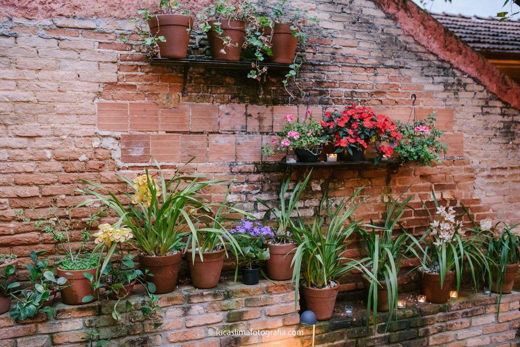Flores Na Varanda Opiniões Fotos E Telefone