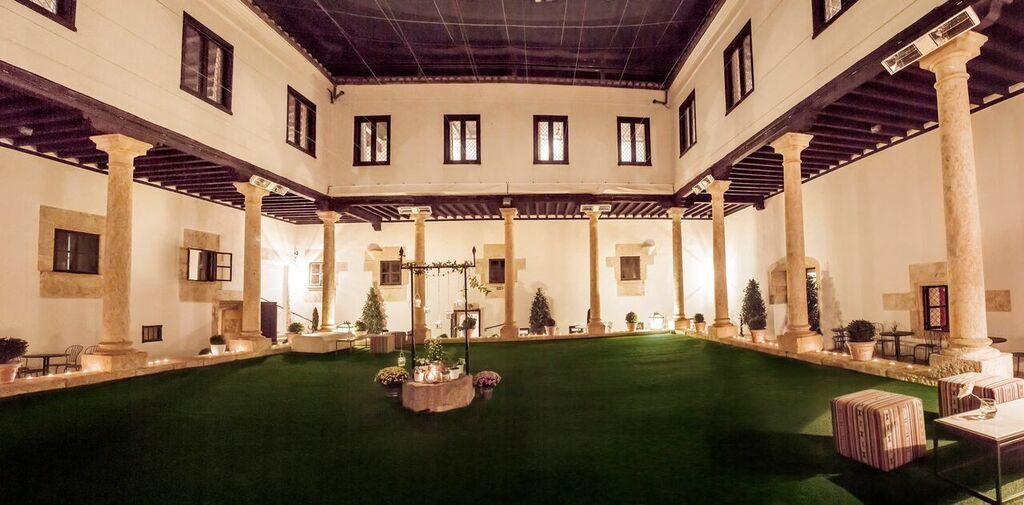 Claustro. Palacio de Montarco