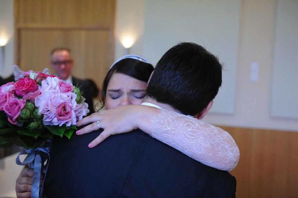 Emotion à la mairie. Floasis Events, wedding planner - Photo Karine Wender
