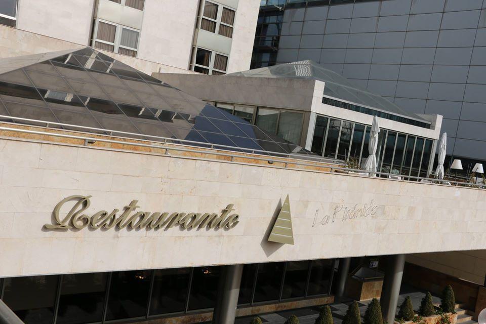 la pirámide restaurante