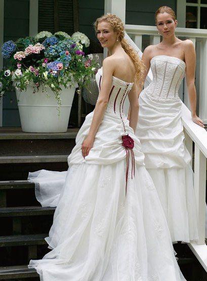 Tolle Brautmoden Foto:brautkleider auf Rügen