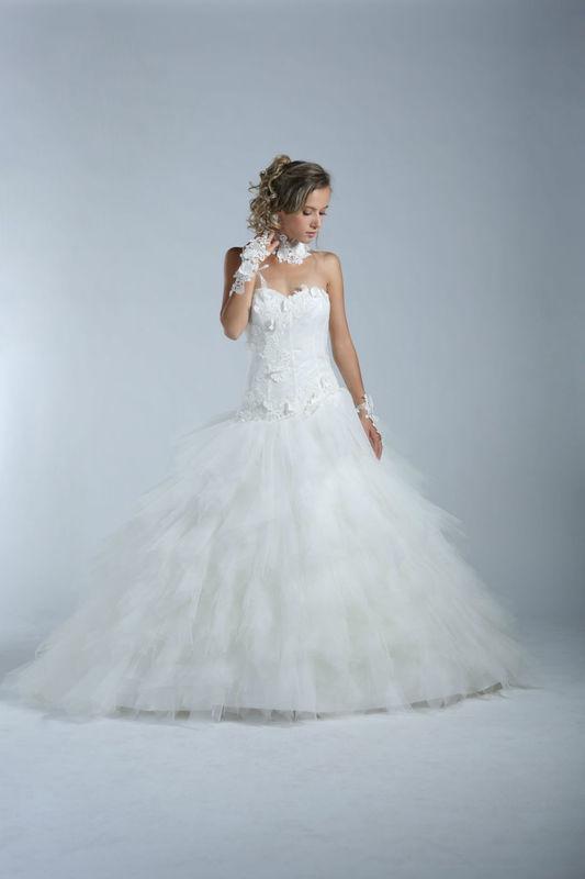 White Dress Modèle Villeta www.whitedress.lu