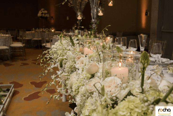 Combinación de Flores con velas