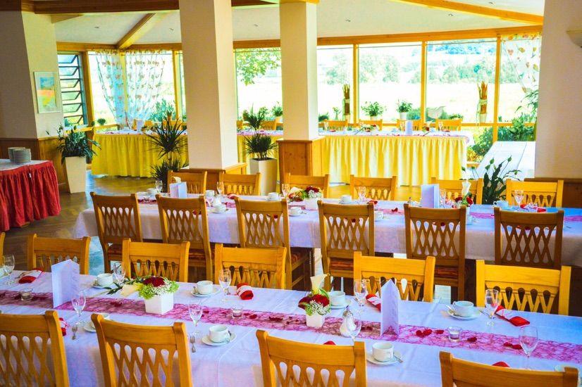 Beispiel: Hochzeitstafel, Foto: Landgasthof Rücklenmühle.