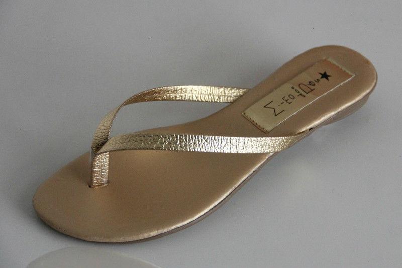 Slim Clean Tira Martelada Dourada