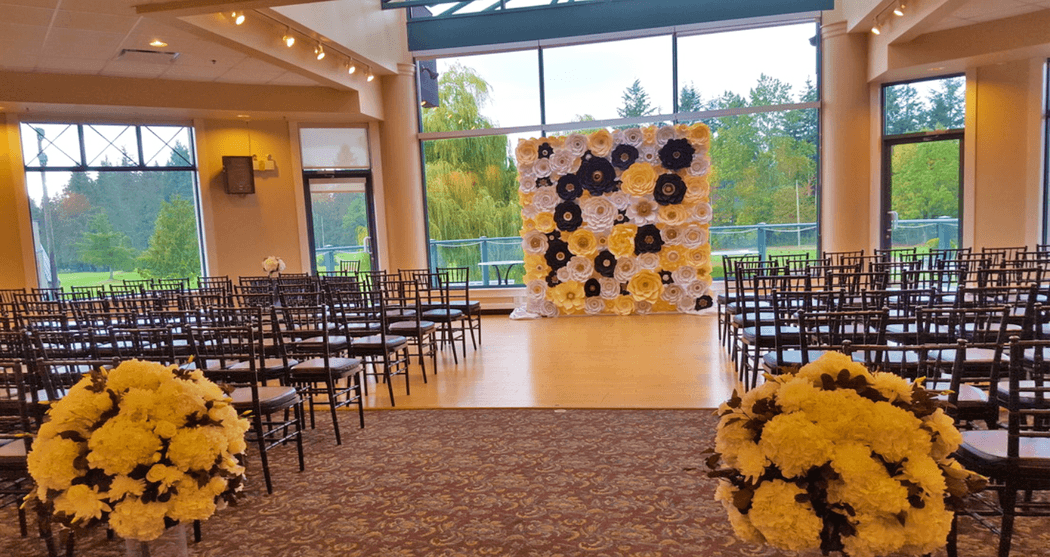Muro con flores de papel