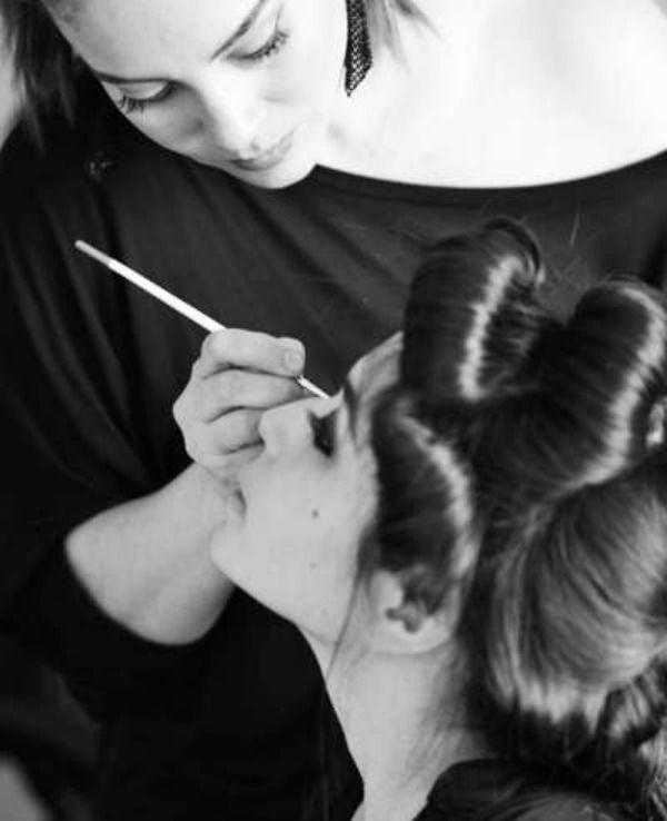 Romina Olavarria - Maquilladora.