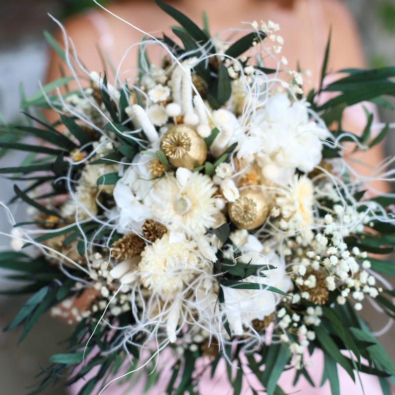 Millaray flores y tocados