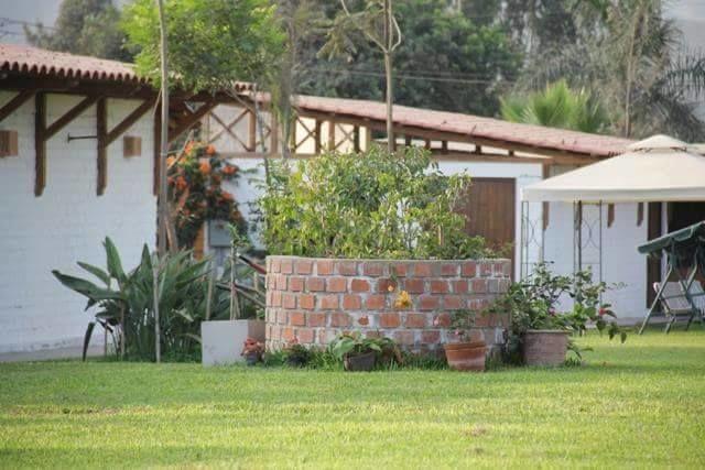 Casa Palo Blanco