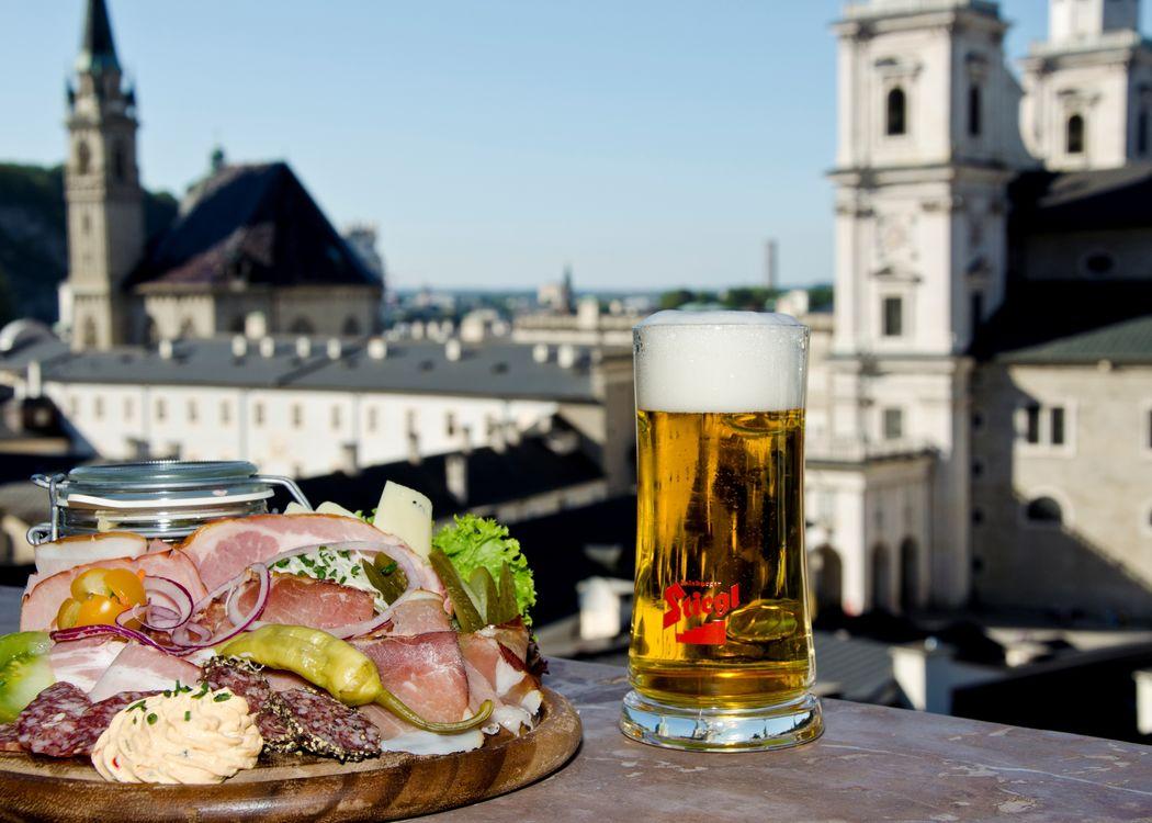 traditionsreich feiern- traditionell essen- Brauchtum leben