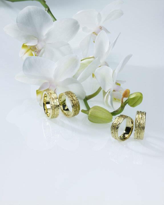 Beispiel: Eheringe aus der Goldschmiede, Foto: Stähli Goldschmied.