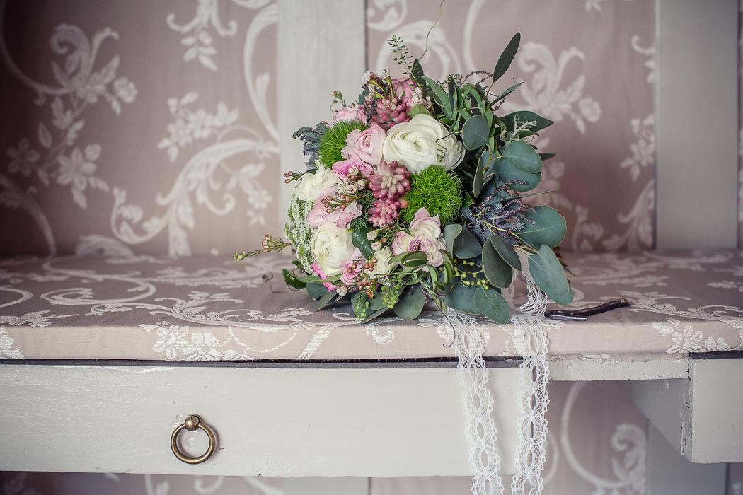 Au Jardin d'Egly - Bouquet de mariée bohème  succulentes