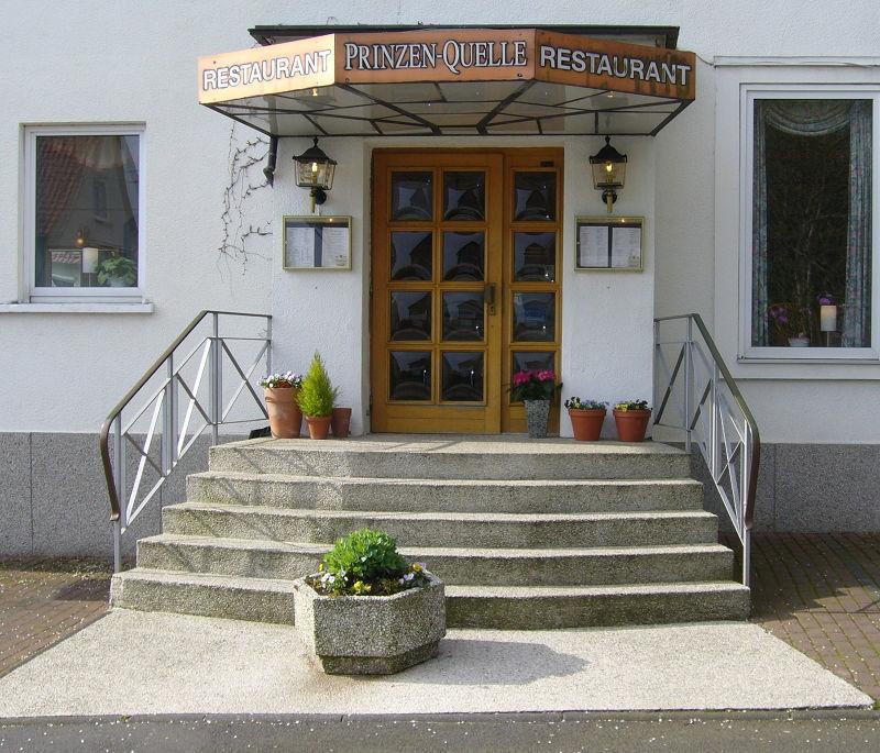 Beispiel: Außenansicht - Eingang, Foto: Restaurant Prinzenquelle.