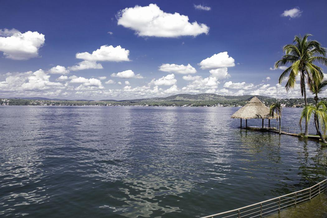 Muelle frente al Lago de Tequesquitengo