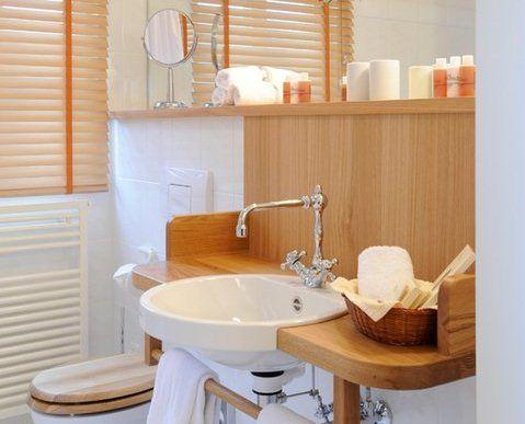 Beispiel: Badezimmer, Foto: Romantik Hotel Altes Amtshaus.