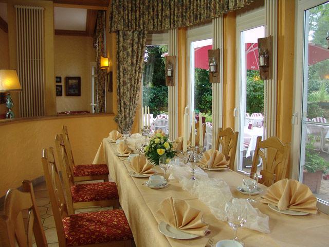 Beispiel: Festtagstafel, Foto: Landhaus Alpinia.