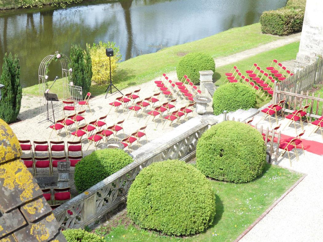 Château de Pontarmé - Cérémonie au château au bord des douves