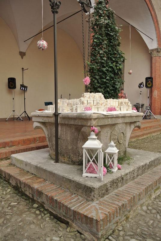 Shabby chic wedding - Pozzo con bomboniere