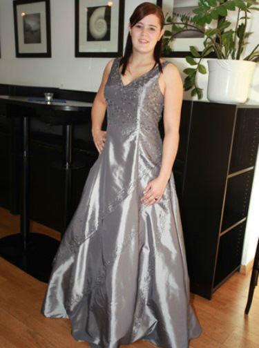Beispiel: Brautkleider auch in Übergrößen, Foto: Traut euch Brautsalon.