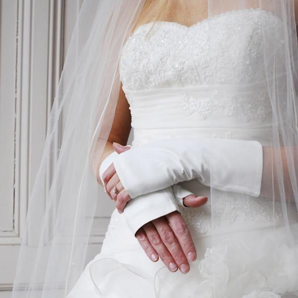 Ines Gloves