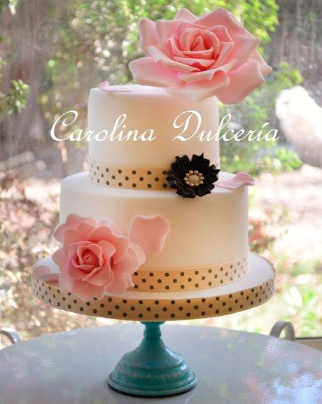 Torta broche y rosas