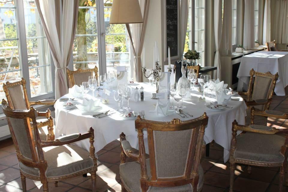 Beispiel: Tischdekoration, Foto: Schloss Romanshorn (TriBeCa).