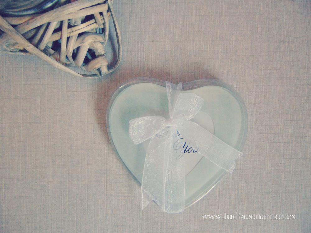 Detalle posavasos corazón, bonito y romántico