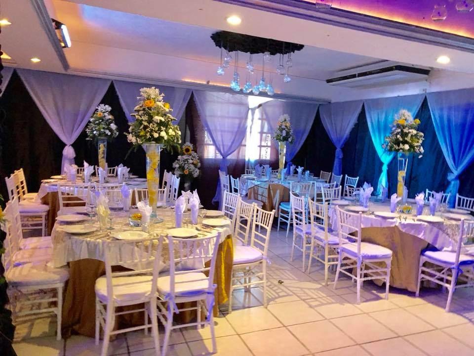 Salón De Eventos & Banquetes Versalles