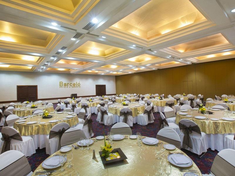 Barceló Huatulco - Banquete en salón