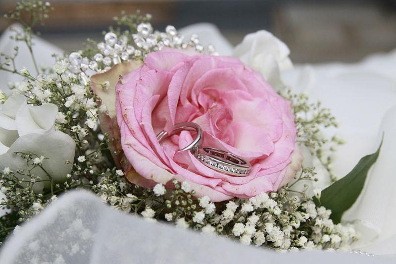 Beispiel: Florale Dekoration, Foto: Bellas Hochzeitsservice.