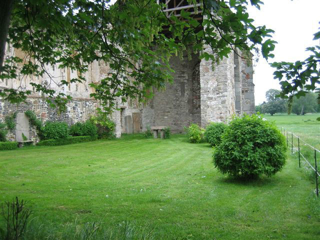 Beispiel: Kirchenruine, Foto: Rittergut Dorstadt.