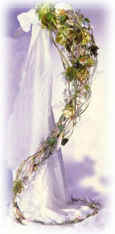 Beispiel: Hochzeitsfloristik de begeistert, Foto: Georgs Blumen.