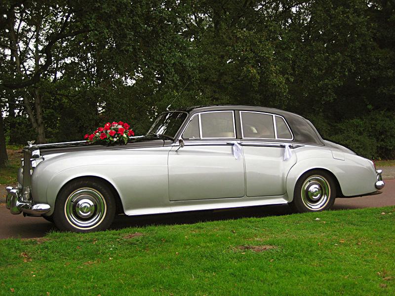 Beispiel: Britische Eleganz für Ihren großen Tag, Foto: ClassicCars.
