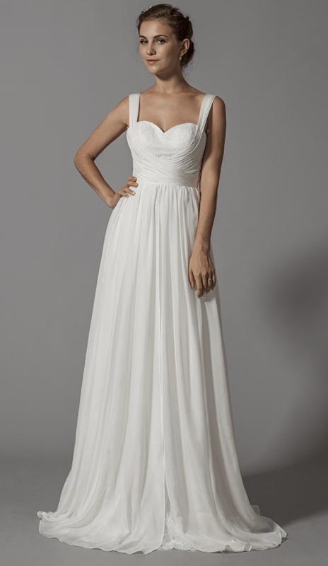 Robe de mariée fluide en mousseline de soie; modèle unique en Europe, en exclusivité sur www.mariageenrose.fr.