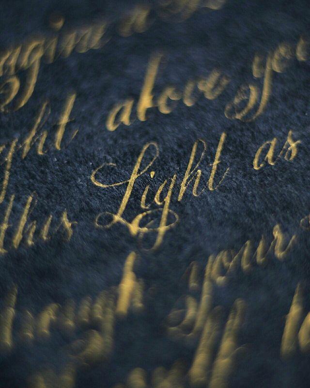 классическая каллиграфия золотом