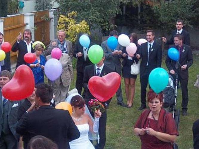 Beispiel: Luftballons zur Hochzeit, Foto: Krickl Ballons.