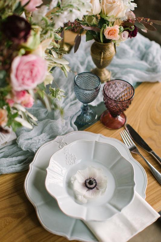 Наши бокалы и вазы на творческой фотосессии. Совместный проект с командой instagram.com/@zakharova_wedding и instagram.com/@kristina_bloom_ministry