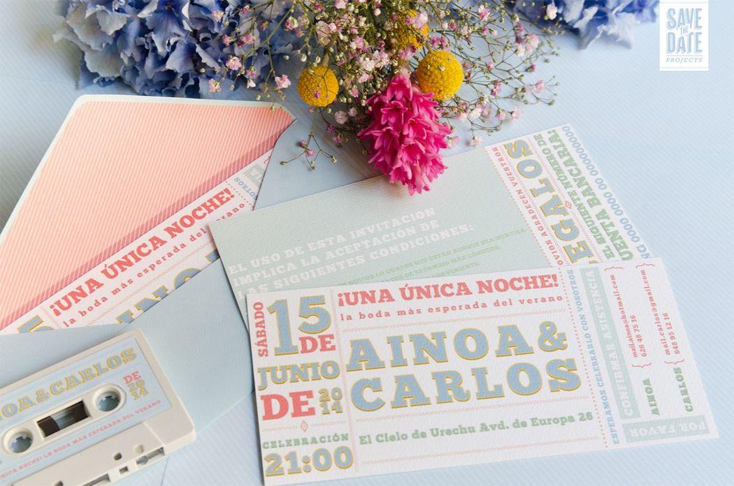 Invitación de boda como si fuese una entrada de concierto. Sobre con forro acorde con la invitación personalizada.