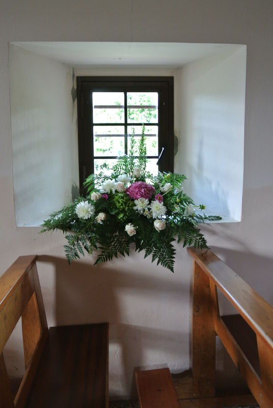 Eco-country wedding - Addobbi floreali chiesa