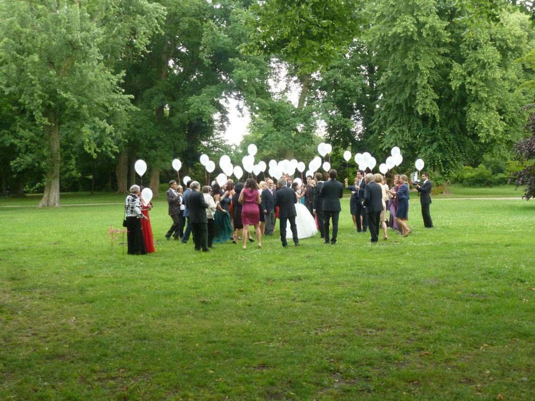 Beispiel: Hochzeitsgesellschaft, Foto: Witthüs.