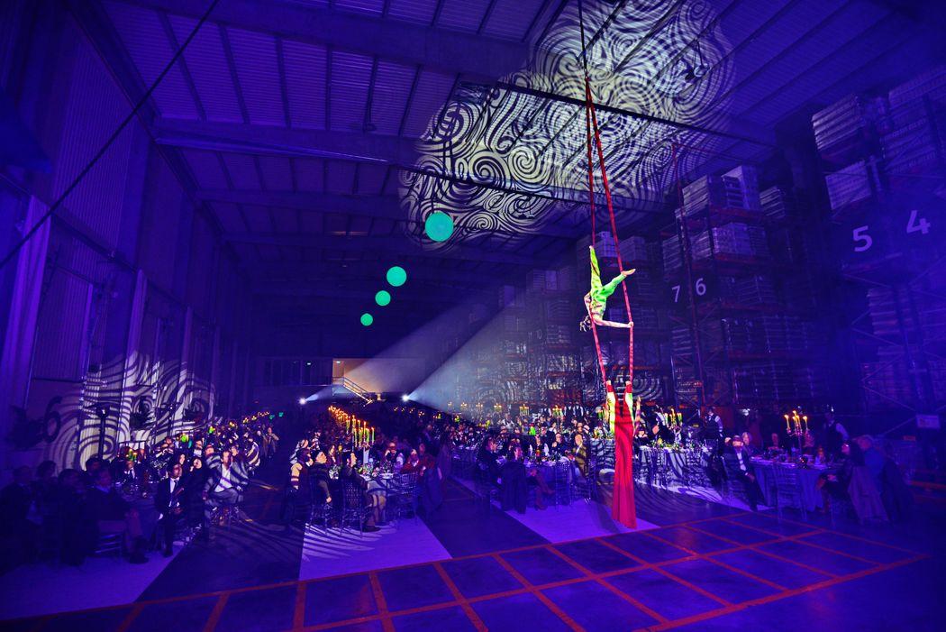 Evento Empresarial com Performance de Aéreos | Corporate Event with Aerial Performance