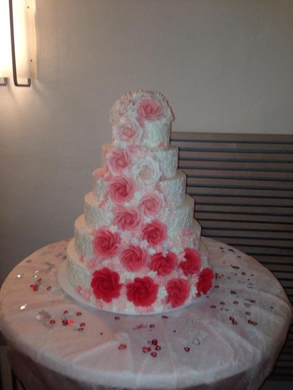 Beispiel: Hochzeitstorte, Foto: Cantína.