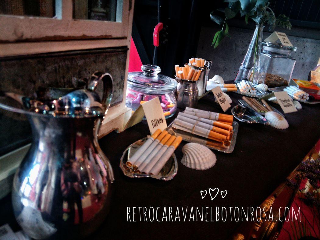 Mesa de Tabaco RetroCaravan El Botón Rosa