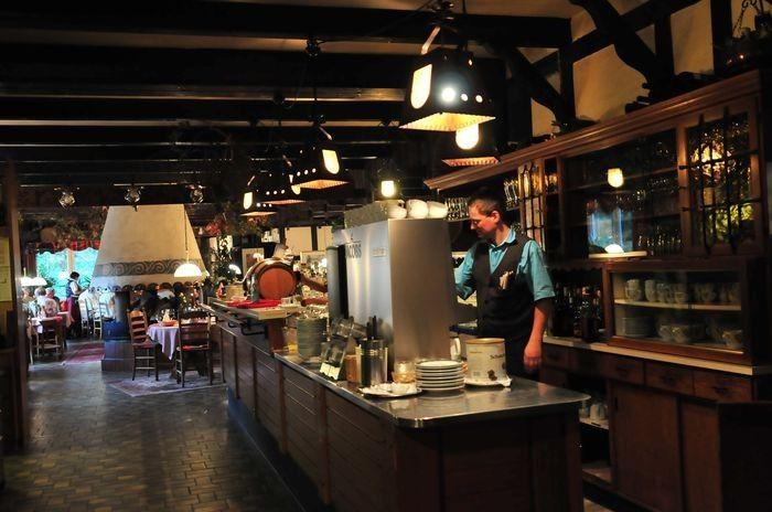 Beispiel: Restaurant Kaminstube, Foto: AKZENT Hotel Zur Wasserburg.