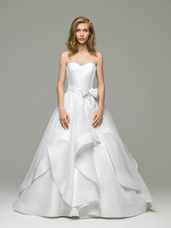Свадебное платье А-силуэта с юбкой из воланов  и отрезным корсетом от Helen Miller