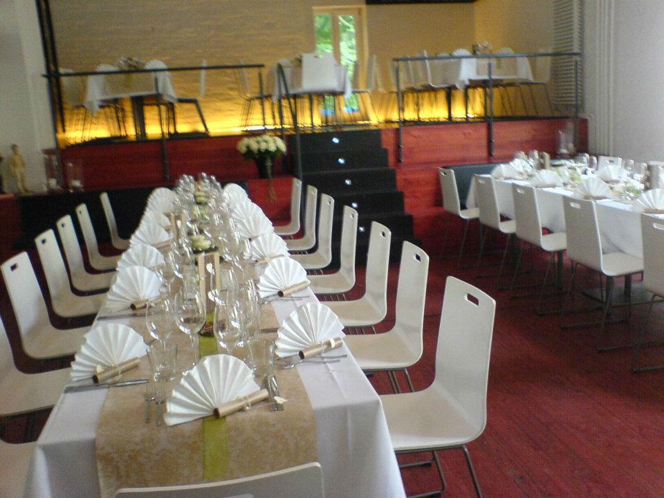 Beispiel: Hochzeitstafel, Foto: Cantina Majolika.