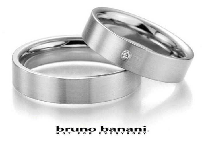 Beispiel: Trauringe Bruno Banani, Foto: Costina.