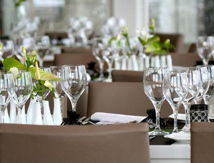 Beispiel: Tischgedeck, Foto: Alsterlounge.